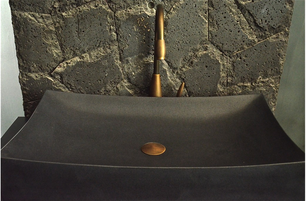 grande vasque pierre noire poser 70x40 black granit toji. Black Bedroom Furniture Sets. Home Design Ideas