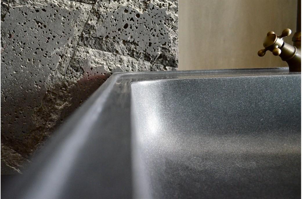 Evier cuisine granit noir evier de cuisine evier carr 1 for Cuisine granit noir