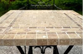 Tables en mosaiques d 39 int rieur ext rieur en pierre for Table en pierre exterieur