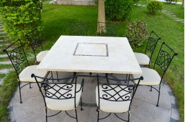 Table de jardin en pierre mosaïque de Travertin carrée 140 CAPRI