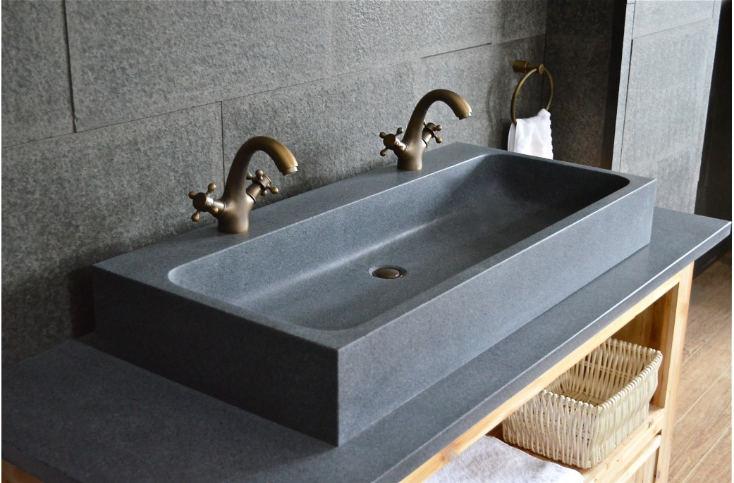 Looan grande double vasque en granit v ritable taill e for Installer lavabo salle de bain