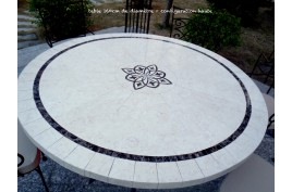 Table de jardin mosaïque ronde 125 160 emperador travertin MARBELLA